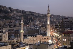 Amman (Rolandito.) Tags: city light lights evening abend town twilight amman mosque east jordan middle jordanien jordanie jordania