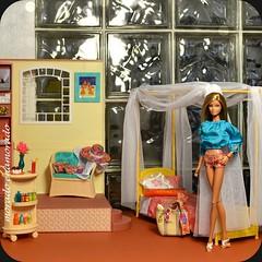 Malibu Barbie, en ropa de Trina Turk. (morado enamorado) Tags: barbie trina turk malibu collector collection doll beach summer vacation pool party hotel cali girl hawaiian diorama 16scale furniture miniatures
