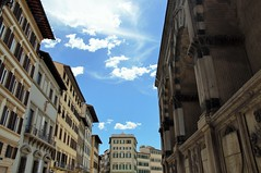 Firenze (Martina Santucci) Tags: firenze florence tuscany toscana italy italia light luce luci shadows ombre cloud nuvola
