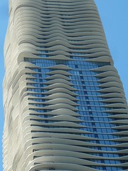 Chicago, Aqua Tower (Architect: Jeanne Gang) (Mary Warren (8.8+ million views)) Tags: chicago architecture building aquatower jeannegang skyscraper condotower highrise balconies curves blue
