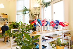 Montessoribarnehage (Norsk Montessoriforbund) Tags: 20mai2016 200516 montessoribarnehage barn interir mennesker milj