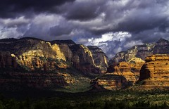 Western Sedona with EOS 7D (paynepat44) Tags: arizona sedona landscape redrockcountry redrock mountains cliffs clouds canyon colorful mesas epic desert americansouthwest hiking adventure eos7d sunset sky red green trees light