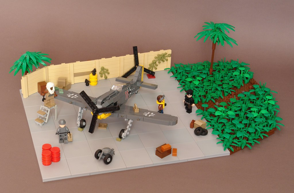 The world 39 s best photos of airfield and lego flickr hive mind - Lego avion de guerre ...