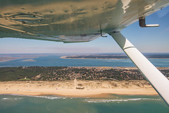 Flying over the Arcachon Bay : Cap Ferret : France : Gironde : in a C152 (Benjamin Ballande) Tags: france bay ferret flying over cap arcachon c152 gironde