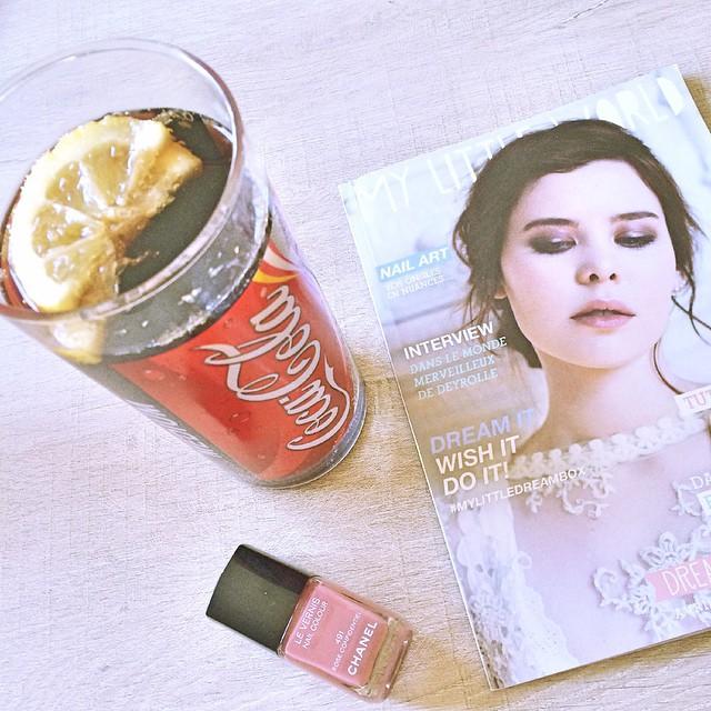 Coca light, lecture, vernis et grey s Anatomy. La belle soirée 😘😘