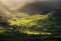 Vale of Edale (Keartona) Tags: trees england sunlight green english rural landscape evening countryside spring scenery village view derbyshire peakdistrict hills fields edale edalevalley barberbooth