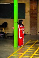 Petite déesse de kermesse (Philippe Gillotte) Tags: girls red green children costume fête kermesse ecole déguisement