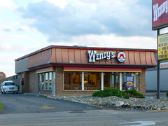Wendy's, Belden Village St NW, Canton, OH (2) (Ryan busman_49) Tags: wendys canton ohio retail restaurant eat vintage closing