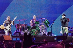 Red Hot Chili Peppers at Ottawa Bluesfest 2016 (beyondhue) Tags: red hot chilli peppers ottawa bluesfest anthony kiedis flea 2016 beyondhue show performance otherside crowd fans