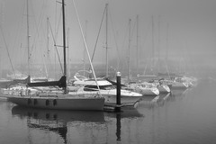 Dense (Luis-Gaspar) Tags: seascape portugal water fog marina boats iso100 harbor agua nikon barcos oeiras f8 18105 nevoeiro d60 1640 paisagemmaritima