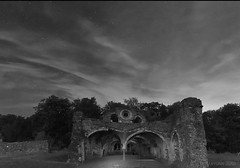 a nightly visit to Waverley Abbey ruins (lunaryuna) Tags: england surrey farnham waverleyabbey ruins abandoned decayed historicarchitecture night nighttime nightphotography nocturnalphotography nightsky starrynight architectureinnature le longexposure lightmood blackwhite bw monochrome lunaryuna