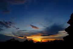 2008.08.25 18.28.34.jpg (Valentino Zangara) Tags: angkorwat cambodia clouds flickr phnombakheng ruins siemreap sky sunset temple krongsiemreap siemreapprovince cambogia kh