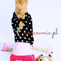 My new tilda - named Kazia. She loves her sleeping dog, long walks in her Converce shoose and all what's pink and fashionable. (harcownia.pl) Tags: dog doll handmade tilda ragdoll giftidea lalka puppu handmadedoll tildas rkodzieo rcznierobione pomysnaprezent tildafuns
