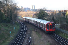 21411 (matty10120) Tags: park london station underground stock s wimbledon 21411