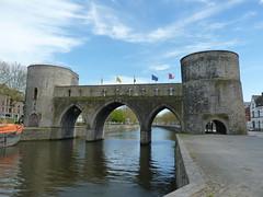 Le pont des trous  - Tournai (PatMargat) Tags: europe belgium belgique belgië pont ville tournai doornik hainaut lescaut pontdestrous