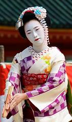 (Tamayura) Tags: japan nikon kyoto maiko kansai apr d800 2015 simga heianjingushrine 150600mmf563dgoshsmsports 201504161400570