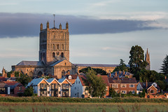 Tewkesbury Abbey - Old, Recent, New. (Geoff Moore UK) Tags: tewkesbury abbey church meadows fields sunset old recent new buildings river avon