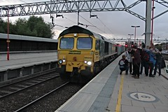 66542 (cosmostrainadventures) Tags: shed thrash sta stafford freightliner class66 intermodal westcoastmainline wcml containertrain 66542