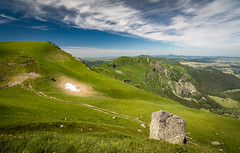 View from le Puy de la Perdrix (Julie. D) Tags: mountain france nature montagne landscape countryside nikon hiking 11 tokina uga paysage auvergne pelouse 163 volcan sancy randonne puydedome d7100 tokina1116 puydelaperdrix