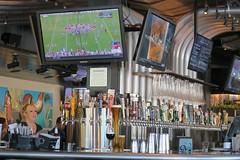 the whole nine yards (Riex) Tags: yardhouse yard glass verre drink boisson restaurant beer bar biere pipeline tuyaux pipes santanarow sanjose california californie g9x