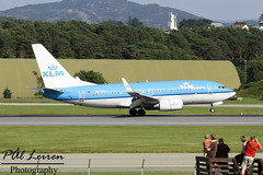 KLM Royal Dutch Airlines - PH-BGL - 'Tjiftjaf / Warble' - 2016.07.24 - ENZV/SVG (Pl Leiren) Tags: stavanger sola norway svg enzv flyplass airport planes plane planespotting aviation aircraft runway rw airplane canon7d 2016 airliner jet jetliner july july2016 klmroyaldutchairlines klm royal dutch airlines tjiftjaf warble phbgl boeing 7377k2w b737