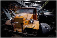 _MTA5667.jpg (Moyse911) Tags: auto usa truck army photo amazing factory fuji tank sam jeep image military picture camion american militaire fou insolite vieux armee oncle urbex amricain hangars xt1 ancetre onclesamurbexauto