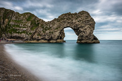 Durdle Door (pietkagab) Tags: durdledoor dorset england uk britain rock formation jurassiccoast water sea longexposure landscape waterscape pietkagab piotrgaborek photography pentax pentaxk5ii travel trip tourism holidays adventure sightseeing