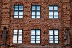 Maalaistentalo (Jori Samonen) Tags: maalaistentalo building facade statues windows brick simonkatu helsinki finland sony ilce3000 canon efs 55250mm f456 is