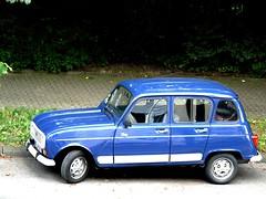 Renault R 4  1961-1992 (ludmillafan132) Tags: renault renaultr4 r4 oldcars car cars oldtimer auto autos beautifuloldtimer fahrzeuge frankreich france automobile vehicles