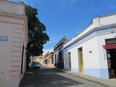"""Colonia del Sacramento: le quartier historique et ses maisons colorées <a style=""""margin-left:10px; font-size:0.8em;"""" href=""""http://www.flickr.com/photos/127723101@N04/29669955196/"""" target=""""_blank"""">@flickr</a>"""