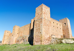 Castillo Siguenza 2 (davidherraezcalzada) Tags: province national siguenza spain mancha fortress castle castile guadalajara landmark hotel ancient architecture tower building landscape old stone history europe sky tourism travel medieval scenery blue destination wall king historic palace summer attraction defensive house mansion monument architect