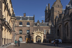 Binnenhof (Pieter Musterd) Tags: holland canon nederland thenetherlands denhaag nl paysbas thehague niederlande zuidholland musterd pietermusterd sgravenhage haagspraak pmusterdziggonl