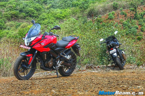 Pulsar-220-vs-Pulsar-AS-200-vs-Hero-Karizma-01