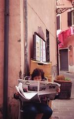 (Noemi Petese) Tags: film analog 35mm newspaper nikon kodak analogue pelicola nikonf601 filmisnotdead