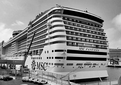 """Boarding"" (giannipaoloziliani) Tags: cruise blackandwhite italy cars port photography boat view details perspective monochromatic nave genova porto bow cruiseship boarding crociera biancoenero imbarco boardingtime giannipaoloziliani"