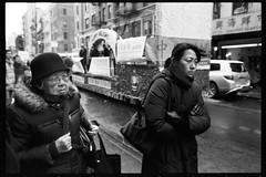 one day in chinatown (-{ ThusOriginal }-) Tags: 135 28mm bw blackandwhite city f3t film fujineopan1600 hat monochrome nyc street thusihaveseen winter thusoriginal newyork scan