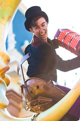 Mickey's Soundsational Parade (jodykatin) Tags: mickeyssoundsationalparade soundsational disneyland chimneysweep concertina