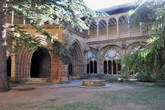 Monasterio de Veruela - le cloître (Chaufglass) Tags: aragon espagne espana spain monastère veruela monasterio europe cistercien