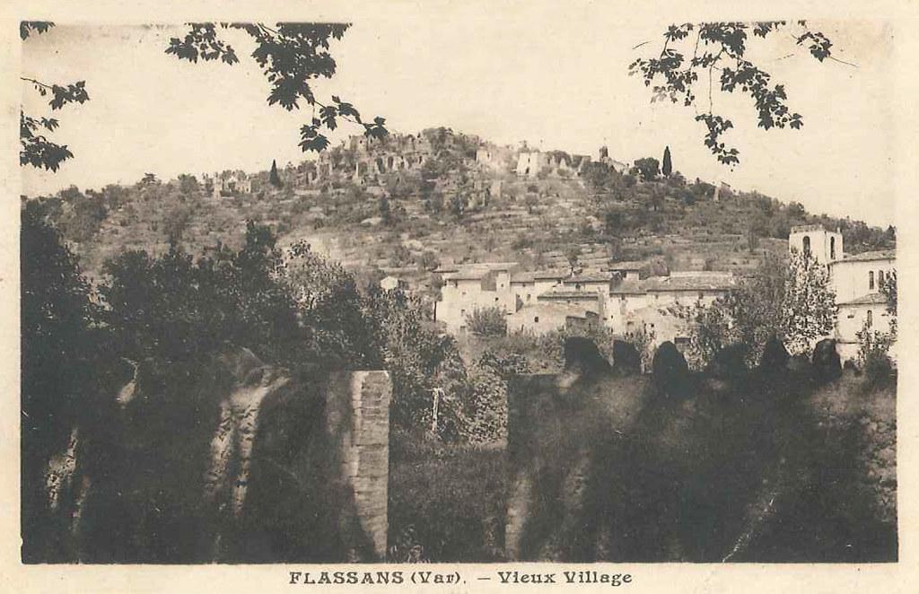 vieux_village_vue_du_foyer_rural