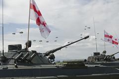 Anglų lietuvių žodynas. Žodis airborne reiškia esantis ore, skrendantis. lietuviškai.