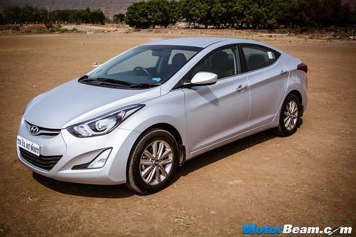 2015-Hyundai-Elantra-14
