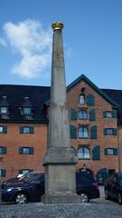 Obelisk (Digi-Joerg) Tags: von gesehen der kanalstrase 10052015 kielhotenau
