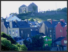 Ennistymon (Maewynia) Tags: blue ireland houses roof red building church cemetery june hill ruin countyclare 2016 ennistymon