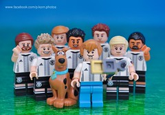 A selfie with the football stars (Phil Korn) Tags: toys photography football nikon lego like fave explore warner scoobydoo shaggy minifig adidas bros uefa muller selfie afol schweinsteiger diemannschaft ozil lego365 euro2016 minifigues philkorn21 legoscoobydoo philkorn dfbminifigures kroose