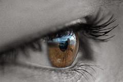 El amor de un recuerdo (AdriGuti) Tags: ojo cangas desaturacin