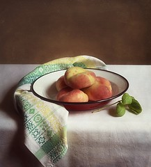 Still Life With Flat Peaches (vesna1962) Tags: stilllife fruit rustic bowl peaches flatpeaches
