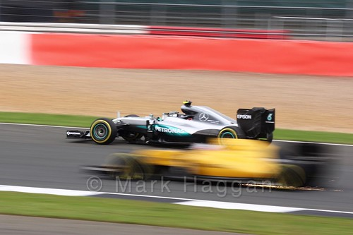 Nico Rosberg passes a Renault in Free Practice 3 at the 2016 British Grand Prix