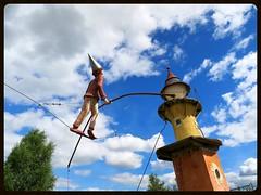 Funambule (Doonia31) Tags: funambule tour ciel cble fil quilibre chapeau clown acrobate cirque pote ferrailleur bretagne france rve nuages bleu