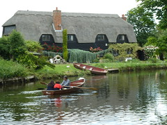 River Stour (Quite Adept) Tags: summer 2016 july flatfordmill cottage thatch riverstour rowingboat river