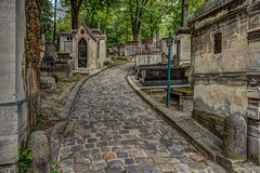 Cimetire du Pre Lachaise - HDR (gilles_t75) Tags: d7200 france gillest hdr nikkor1855mmf3556 nikon bracketing exposurefusion highdynamicrange photohdr photomatix tonemapping cimetire prelachaise paris 75020 tombe caveau spulture chapelle pierretombale concession funraire dfunt monument funbre